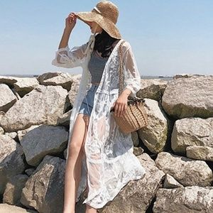 Francescas Miami  L Cream white lace kimono duster